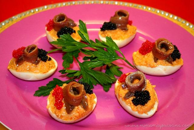 Huevos rellenos de bonito