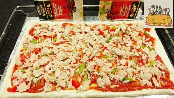 Pizza de cogote de bonito del norte