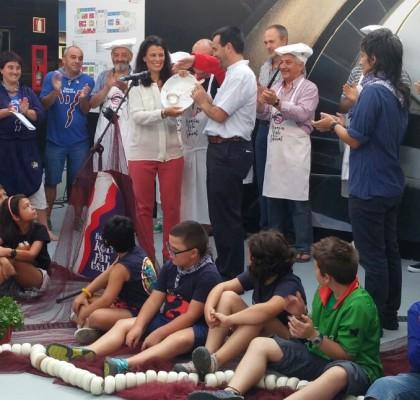 Conservas Serrats recibe el premio Cucharón del Arenal